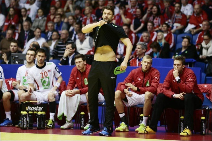 2e8ba8e7 Det ble bare nesten igjen for Norges håndballherrer. Er Robert Hedin rette  mann for landslaget, eller bør han strippes for ansvaret?