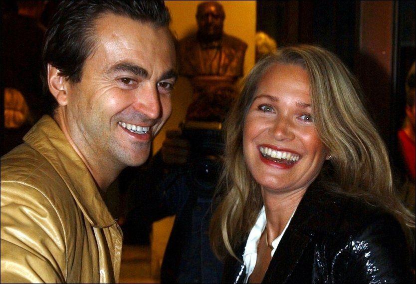 GÅR FRA HVERANDRE: Benedicte Adrian og Gauthier Mouton sammen på Folketeateret i 2002. Foto: Thomas Andreassen.