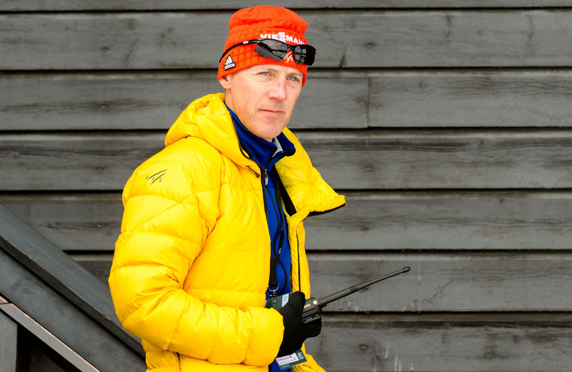 PÅ JOBB: Lasse Ottesen på jobb under onsdagens verdenscup i Granåsen.