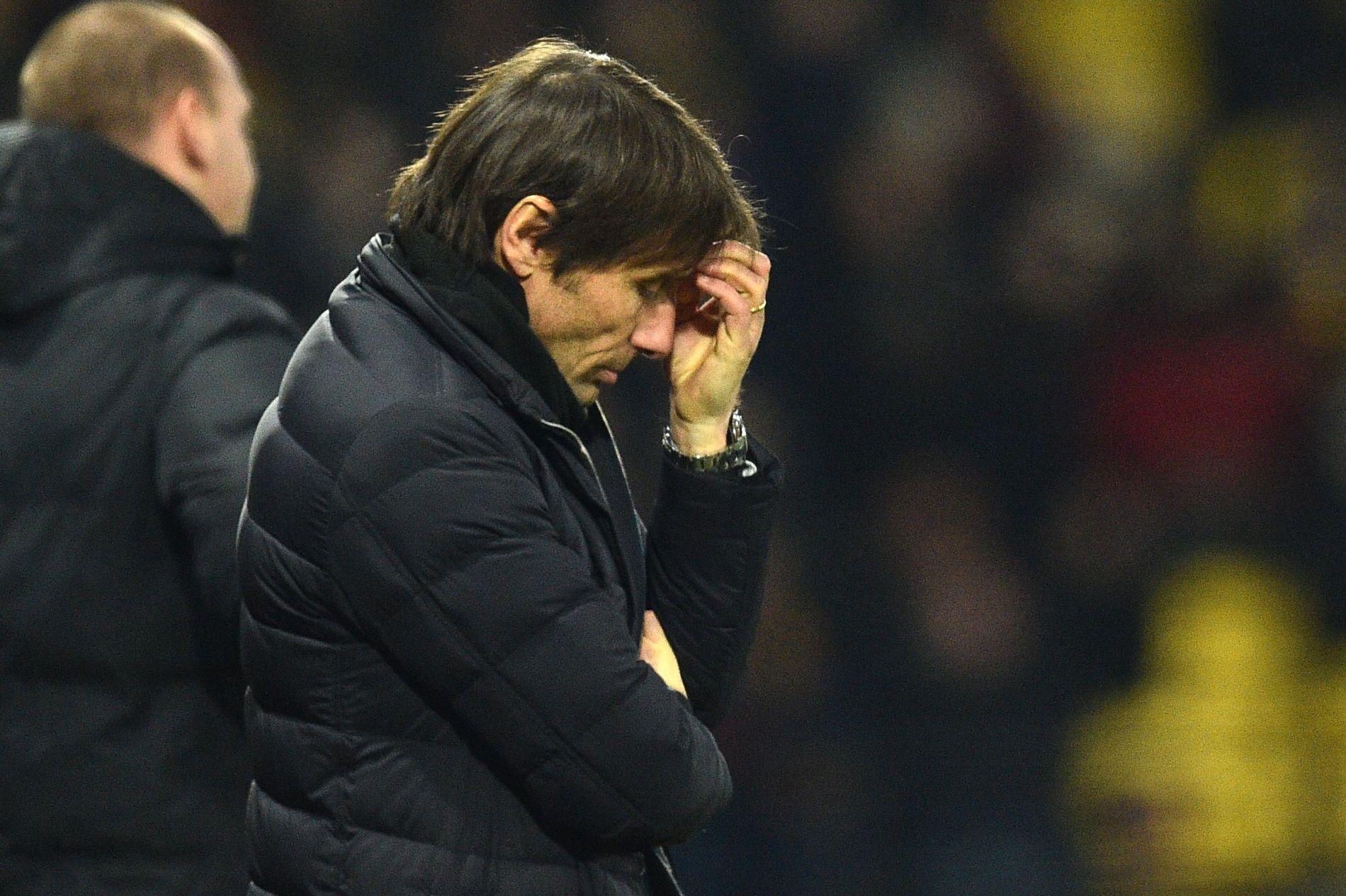 UNDER PRESS: Chelsea-manager Antonio Conte ledet laget sitt til det andre tremålstapet på under en uke.