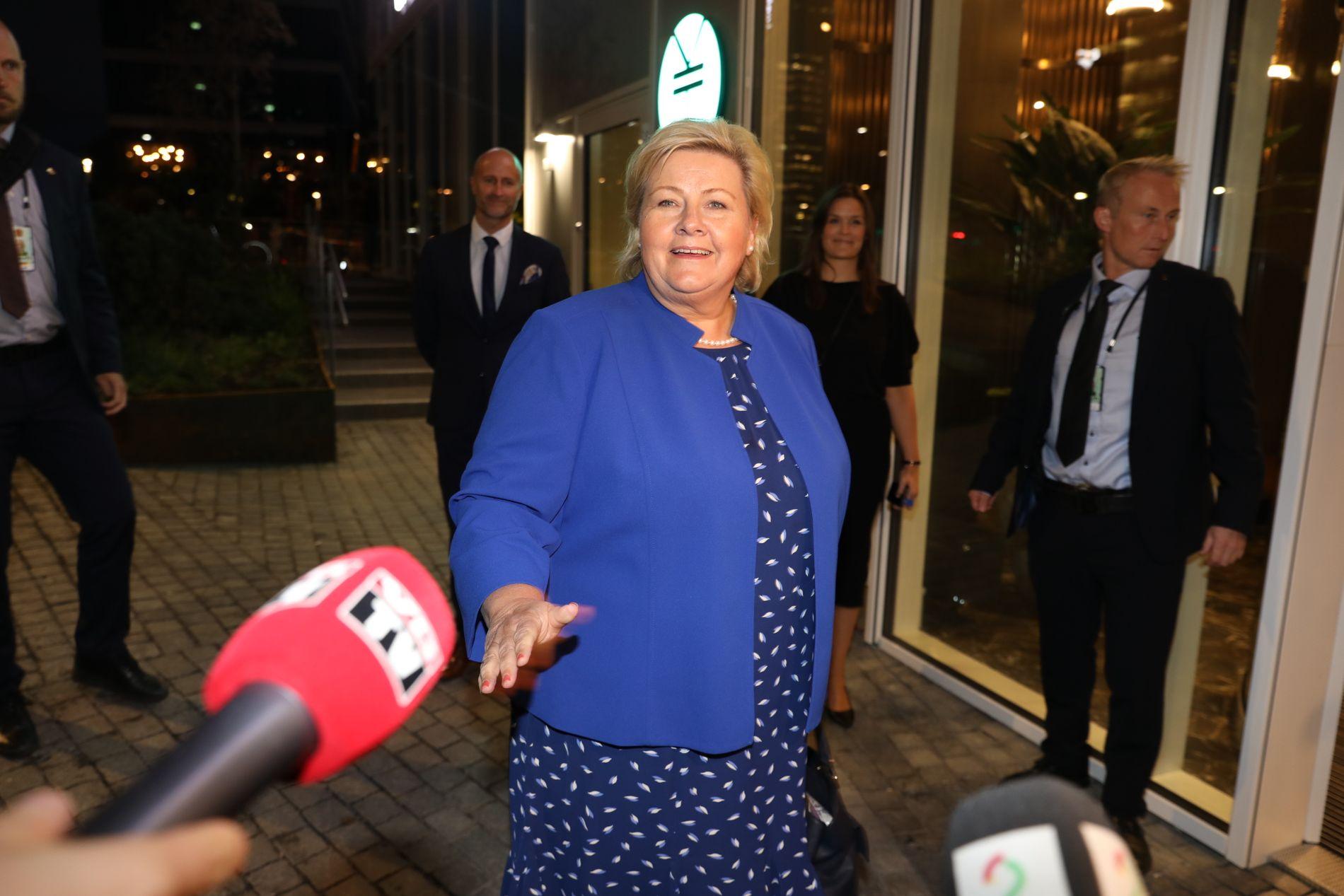SPENT STATSMINISTER: Erna Solberg ankommer Høyres valgvake i Bjørvika