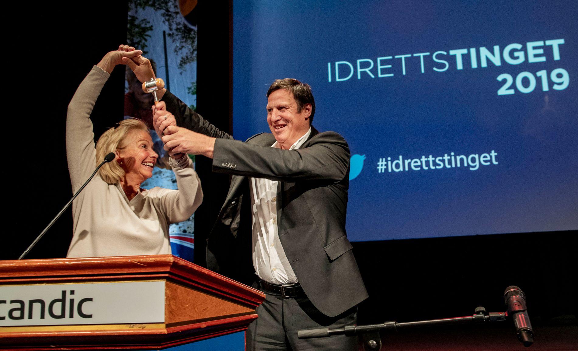 Berit Kjøll er ny idrettspresident. Hun vant valget med minst mulig margin foran Sven Mollekleiv. Tom Tvedts fraksjon viste seg å være avgjørende.