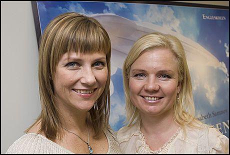SNAKKER: Astarte Education AS, ved Prinsesse Märtha Louise og Elisabeth Samnøy, skal møte pressen i dag. Foto: Scanpix