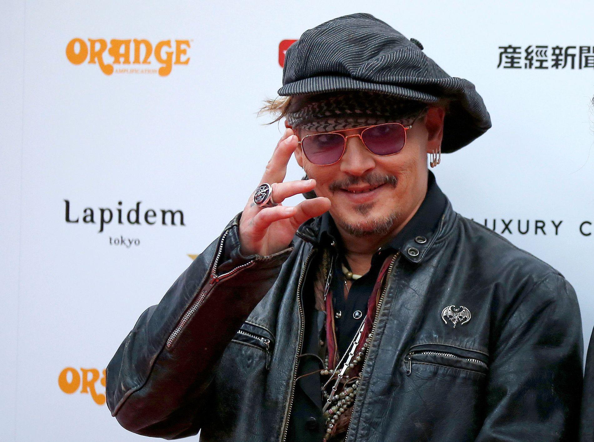 SØKSMÅL OG MOTSØKSMÅL: Først saksøkte Johnny Depp manageren sin for å ha underslag i størrelsesorden 200 millioner kroner. Nå har manageren kommet med et motsøksmål og anklager Depp for å ha en økonomi fullstendig ute av kontroll.