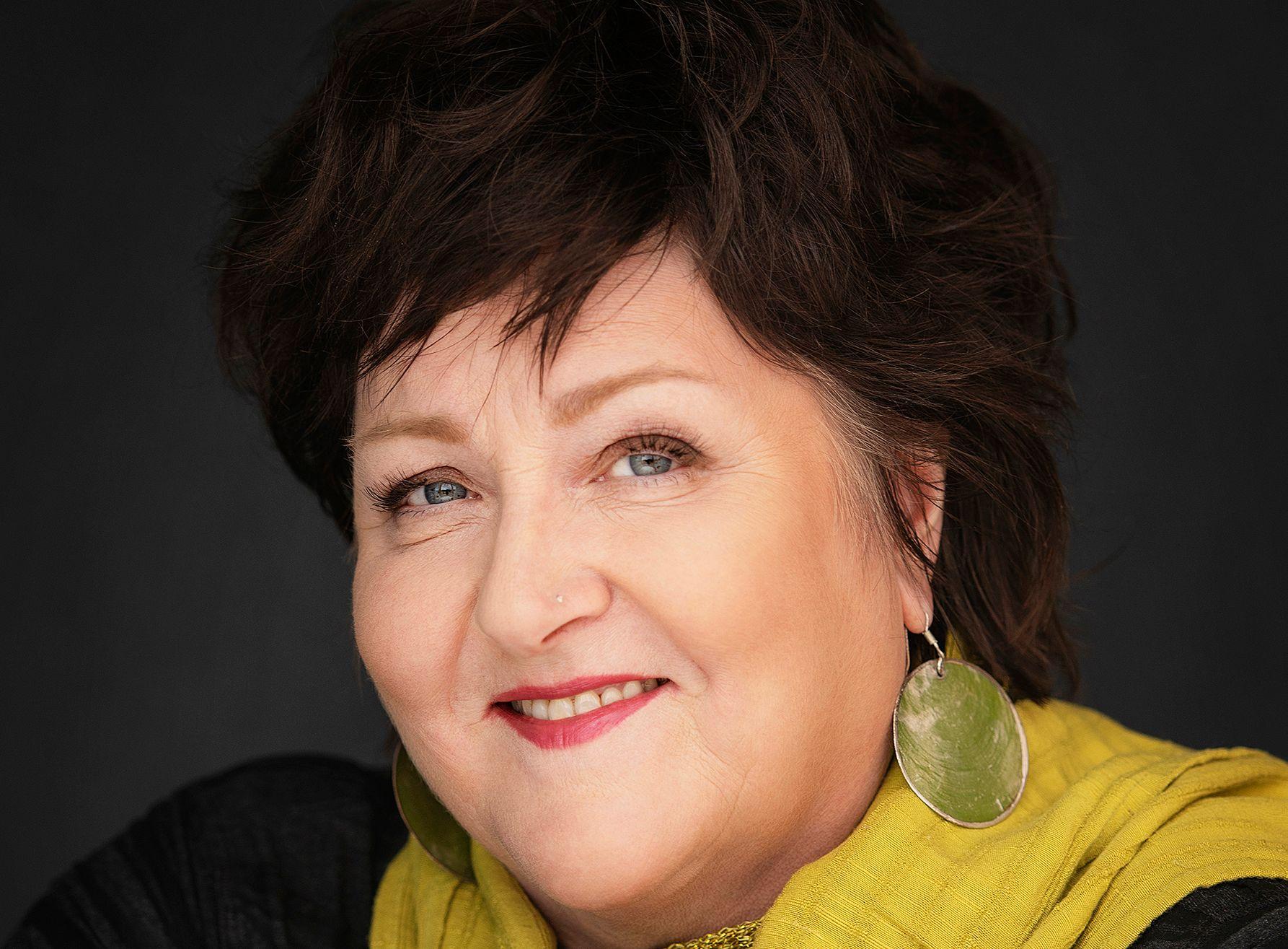 AVLYSER: Anne B. Ragde (61) er på vei tilbake etter hjerneslag og må si nei til alle intervjuforespørsler og avlyse arrangementer i forbindelse med den aller siste boken i serien om Neshov-familien.