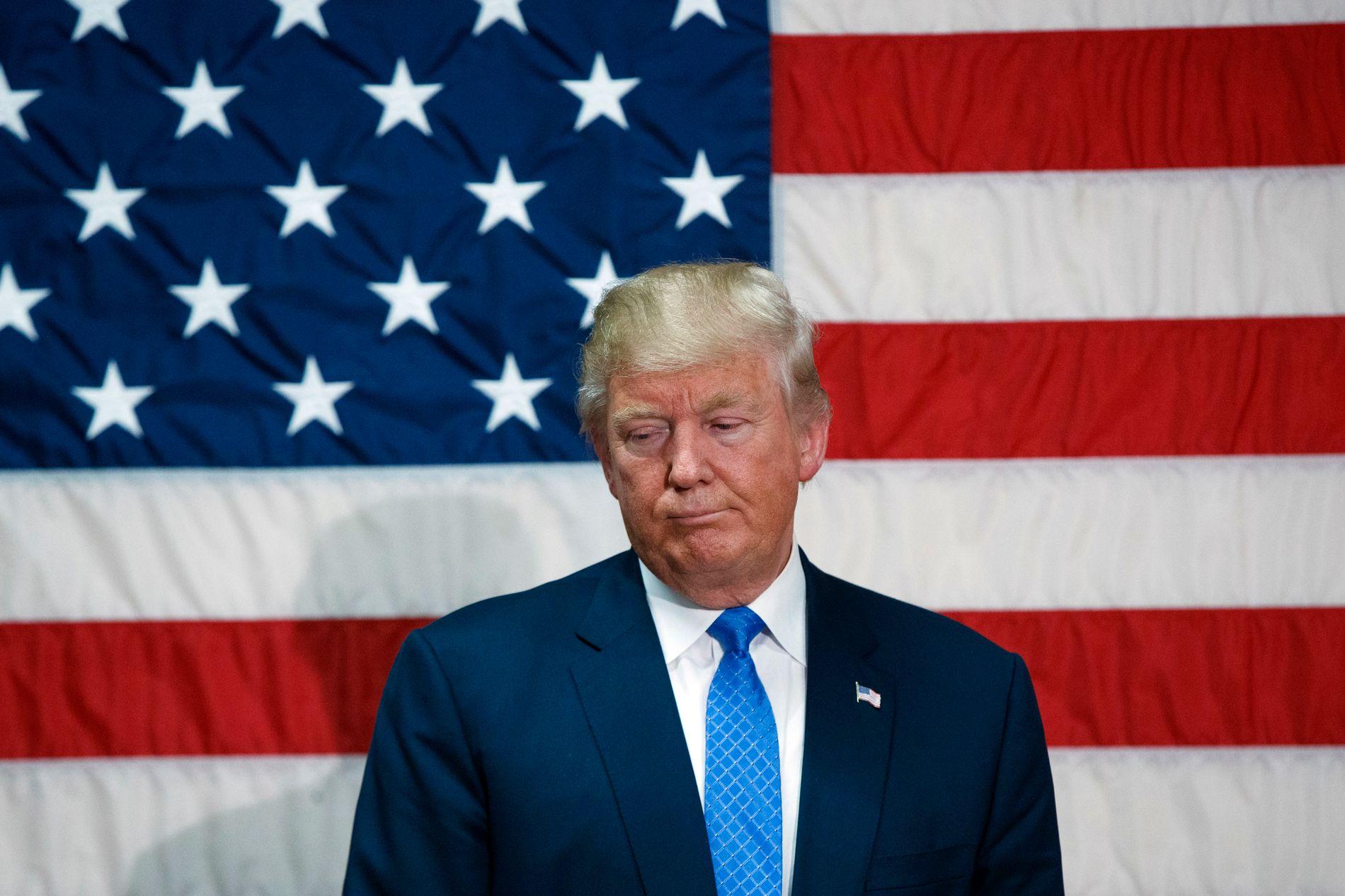 I HARDT VÆR: Donald Trump opplever nå valgkampens tøffeste stund.
