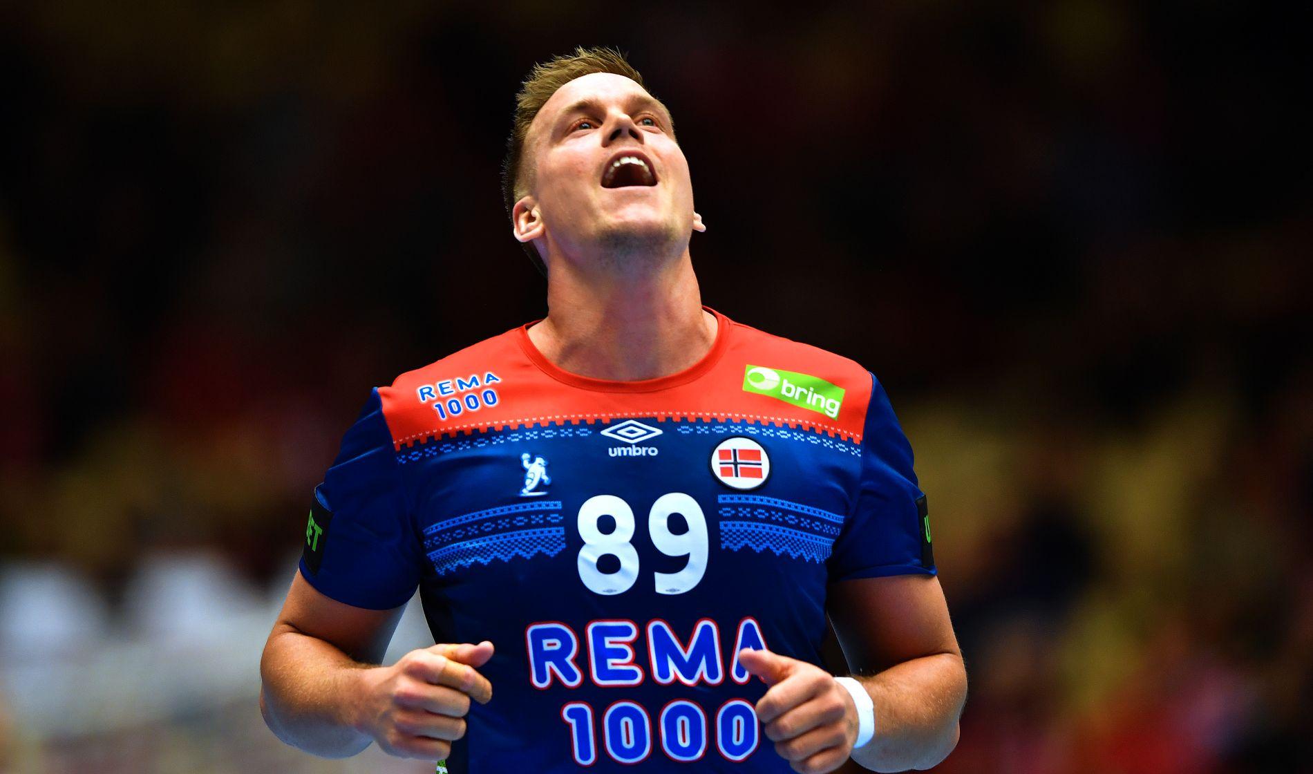 KLAFF TIL SLUTT: Espen Lie Hansen satte inn sine første åtte mål i VM i løpet av kampens siste 20 minutter.