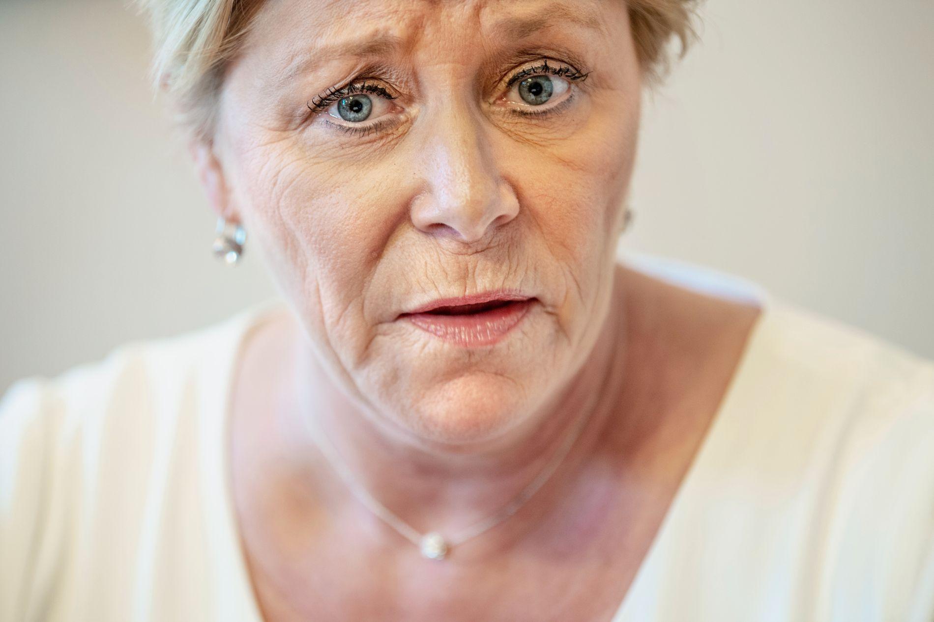 BOMPENGEPROBLEMER: Frp-leder Siv Jensen har både bompengeopprør og dårlige målinger å stri med.