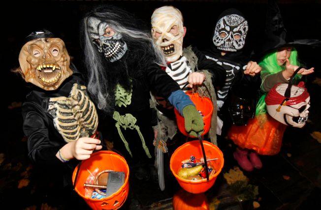 SKREKK OG MORO: En må gjerne feire Halloween, men må det være så mye blod, lurer kommentator Shazia Sarwar på.
