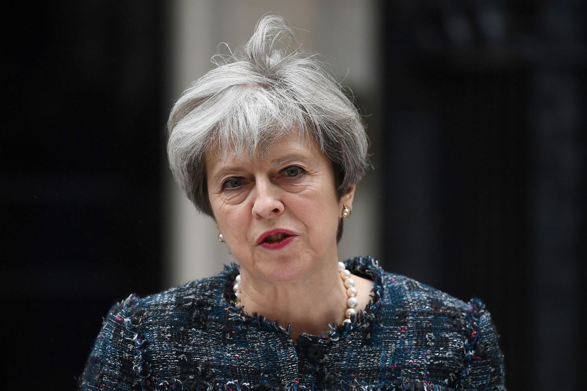 INTERNASJONALT ANGREP: Storbritannias statsminister Theresa May sier fredagens angrep mot flere britiske sykehus er en del av et større angrep.