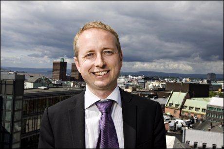 VIL SATSE PÅ JERNBANE: SVs parlamentariske leder Bård Vegar Solhjell ber sitt eget parti sette av flere milliarder til jernbanen. Foto: Eivind Griffith-Brænde