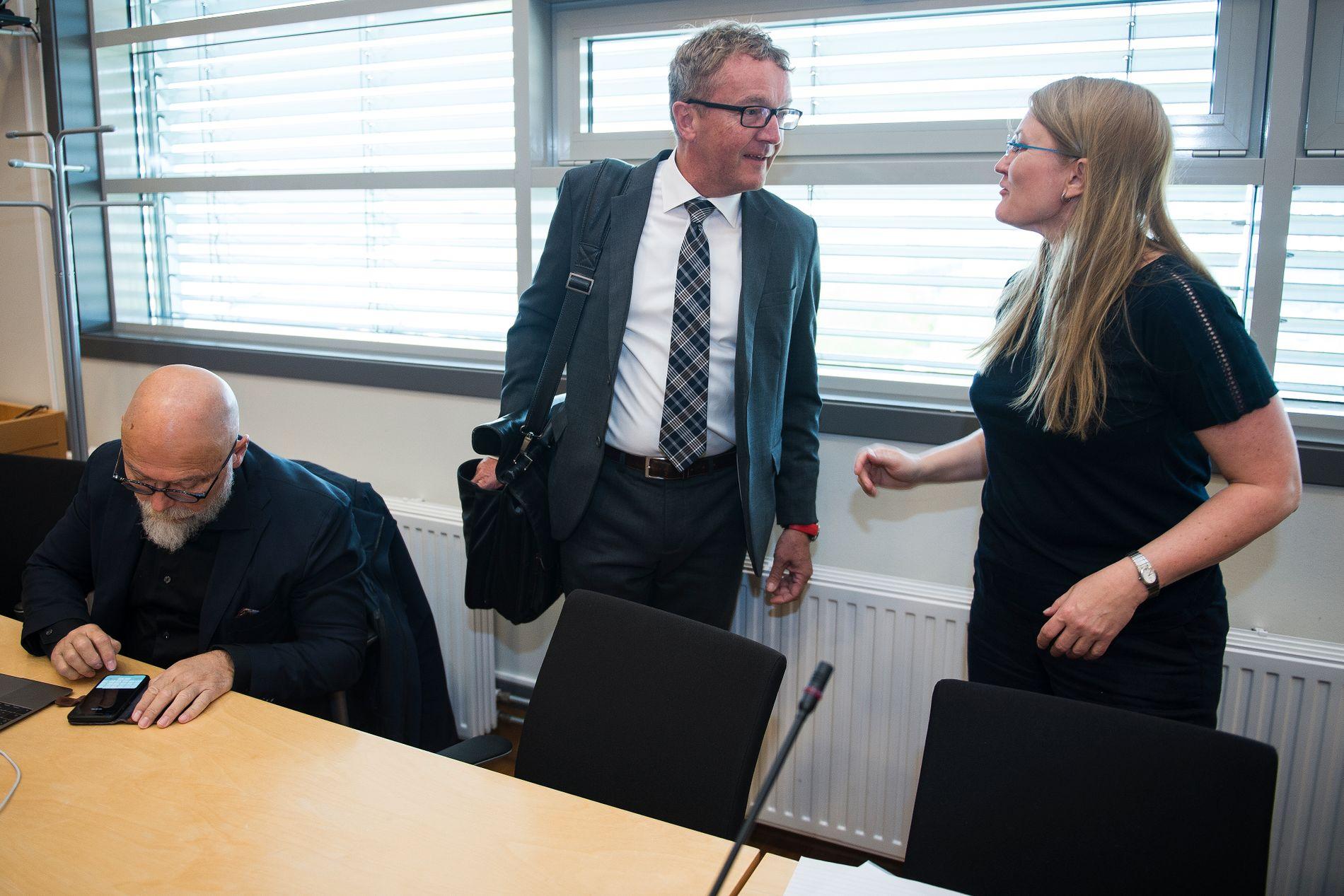 I RETTEN: Bistandsadvokat Harald Øglænd og statsadvokat Nina Grande.