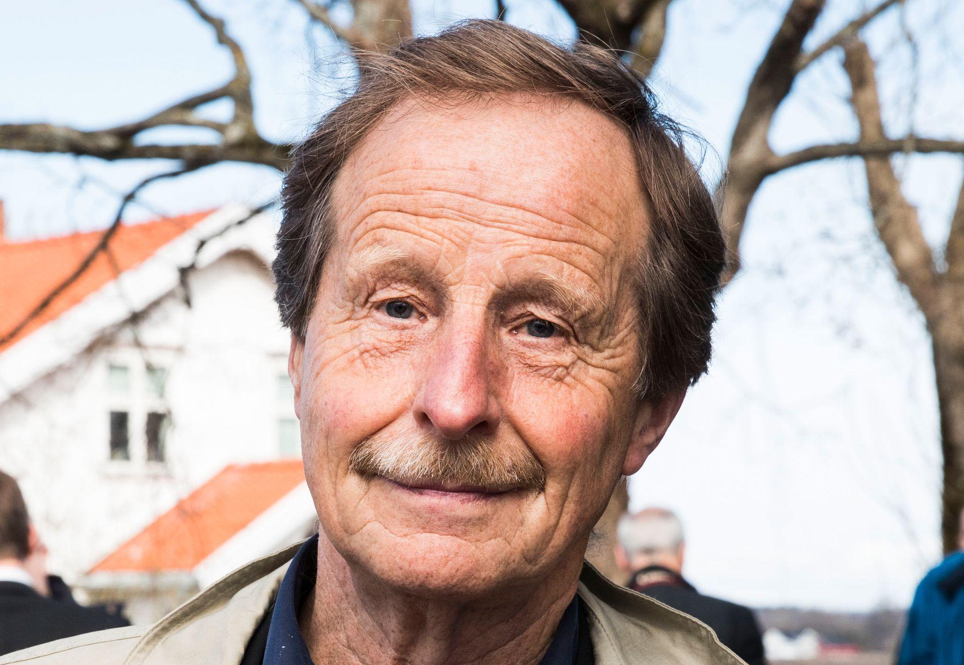 REFSER OG GLEFSER: Kjartan Fløgstad er i sitt ess i den nye romanen «Du og drone».