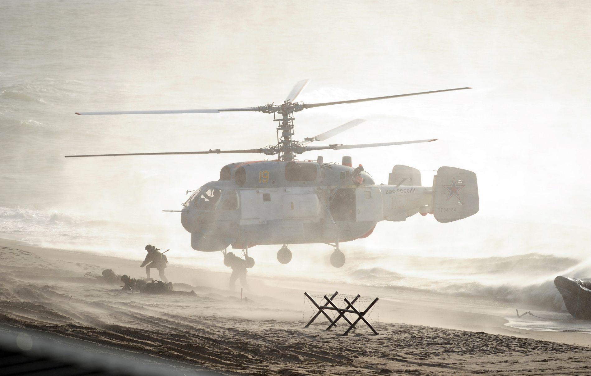 ØVER IGJEN: Det russiske forsvaret øvde på landsetting av styrker lang Russlands Østersjø-kyst under Zapad-øvelsen i 2013.