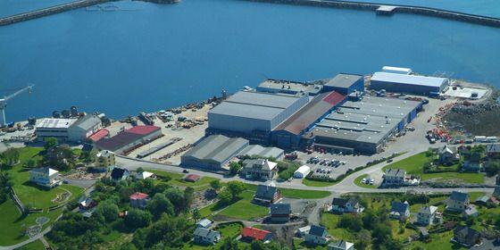 LAGER VINSJER TIL SKIP: I.P. Huse er lokalisert på Harøya i Sandøy kommune, på kysten mellom Molde og Ålesund. Bedriften har ca. 130 ansatte.