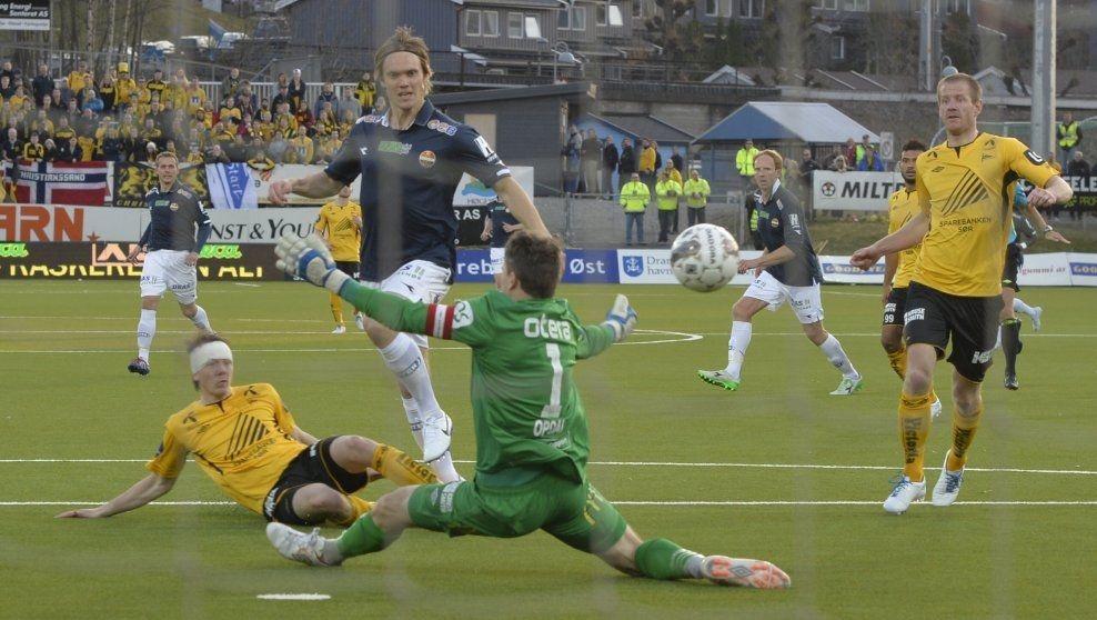 SCORET IGJEN: Thomas Sørum trengte bare noen sekunder etter å ha blitt byttet inn på å sette årets første Tippeliga-mål. Foto: Bjørn S. Delebekk, VG