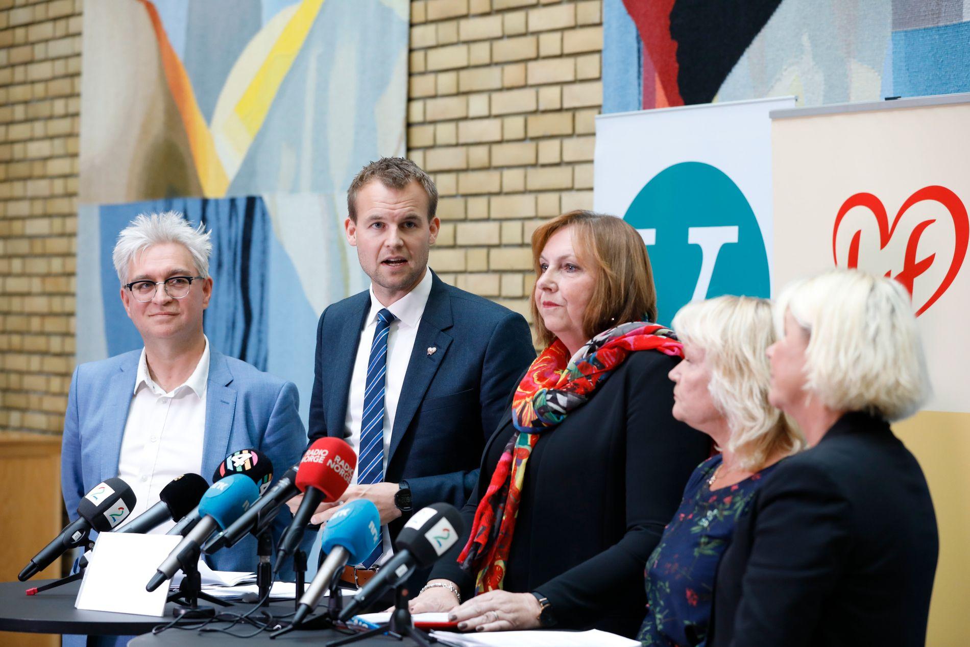 KONTRAST: Samme dag som de første bokutdragene med Knut Arild Hareides ros av Ap kommer ut, skal KrF-nestleder Kjell Ingolf Ropstad presentere enigheten mellom H, V, Frp og KrF i regionreformen.