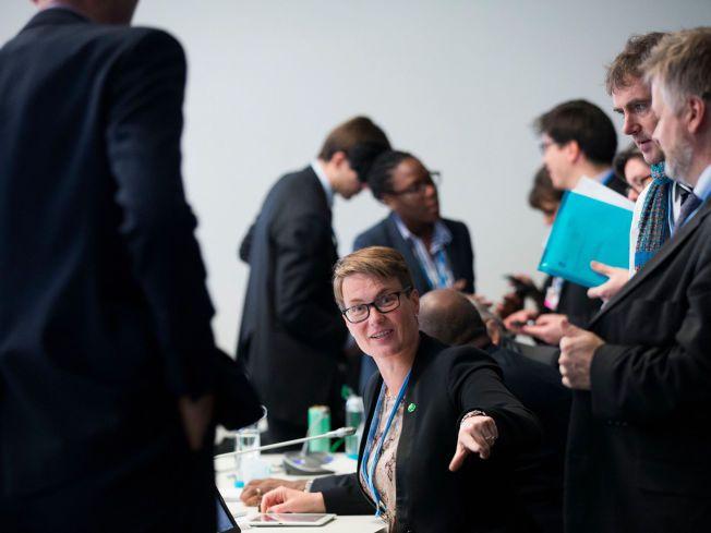 NÅR IKKE FREM: Klima- og miljøminister Tine Sundtoft erkjenner at målet om en klimanøytral kloden i 2050 ikke får gjennomslag i Paris. Foto: NTB Scanpix
