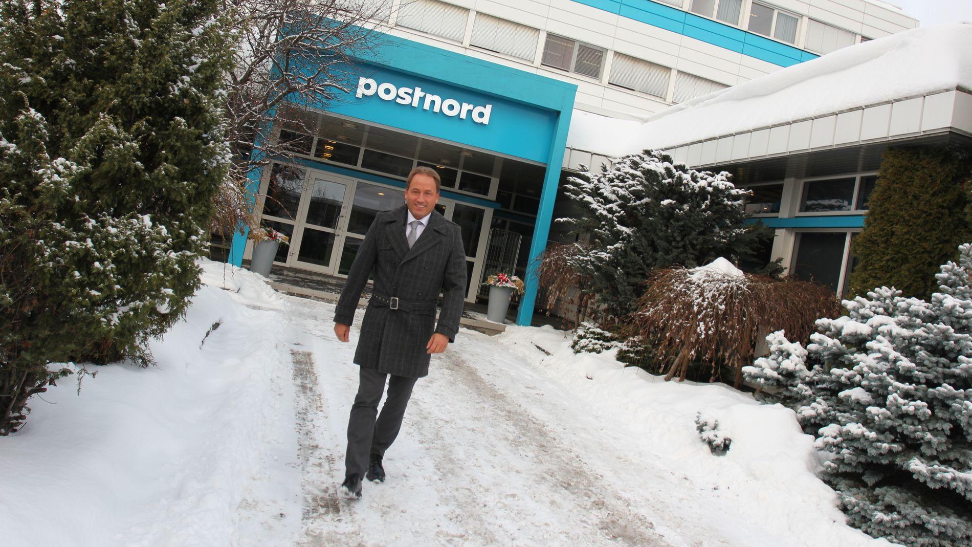 POSTNORD: Administrerende direktør i Postnord Robin Olsen har selskapet siden 1997, men aldri har utviklingen gått så raskt som i dag. Selskapet som tidligere drev med bedriftslevering, regner seg nå også som et netthandelselskap.