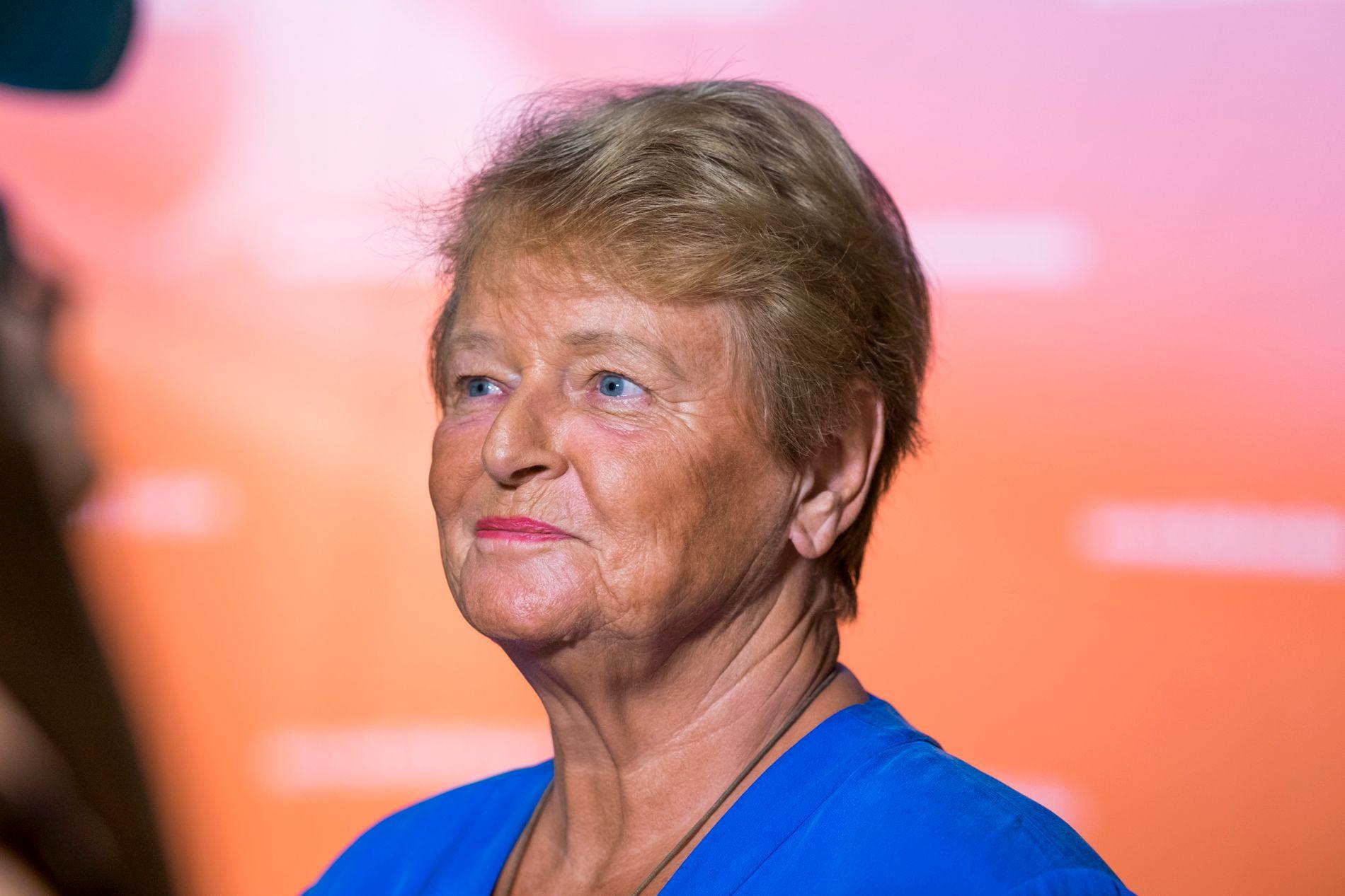 FØLGER MED: Tidligere Statsminister Gro Harlem Brundtland fotografert under Arendalsuka. Nå kaster hun seg inn i den norske klima- og statsbudsjett-diskusjonen fra sitt hjem i Frankrike.