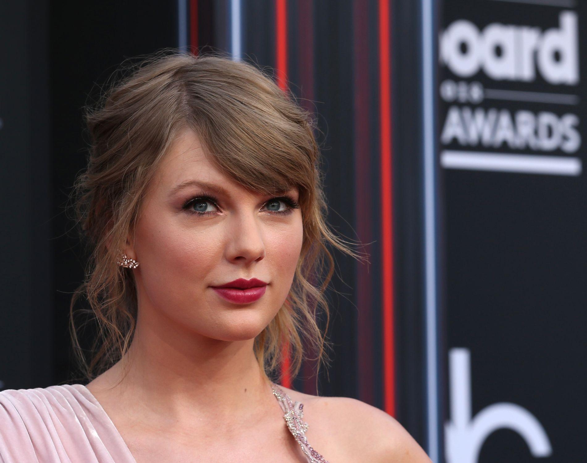 VITNE TIL FRIERE: Da Taylor Swift møtte fansen sin var det to av dem som valgte å gjøre øyeblikket enda mer spesielt.