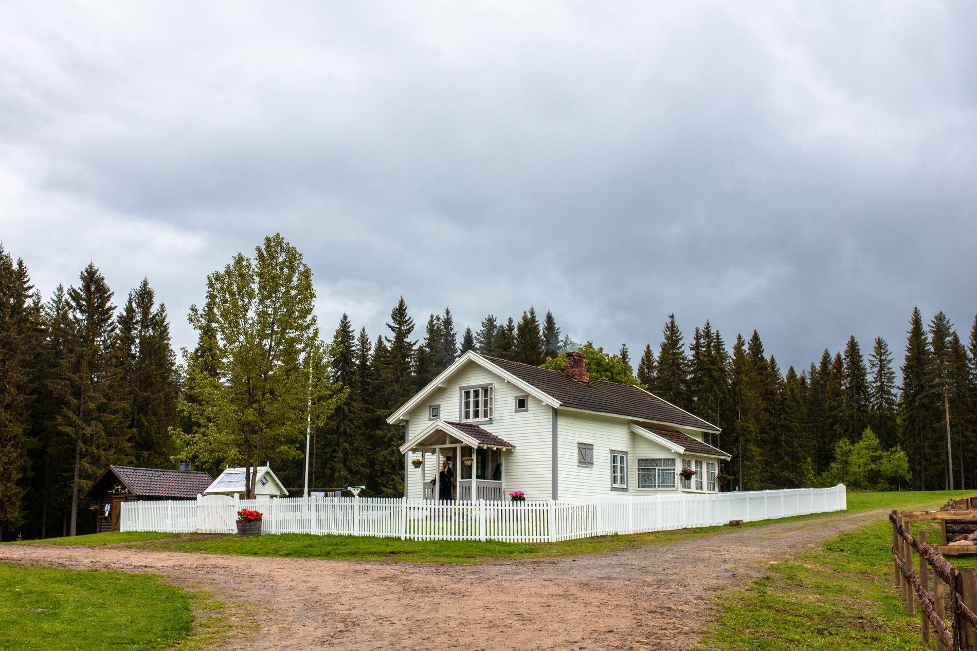 IDYLLISK: Det er på denne gården i Finnskogen i Grue kommune at neste «Farmen kjendis» finner sted.