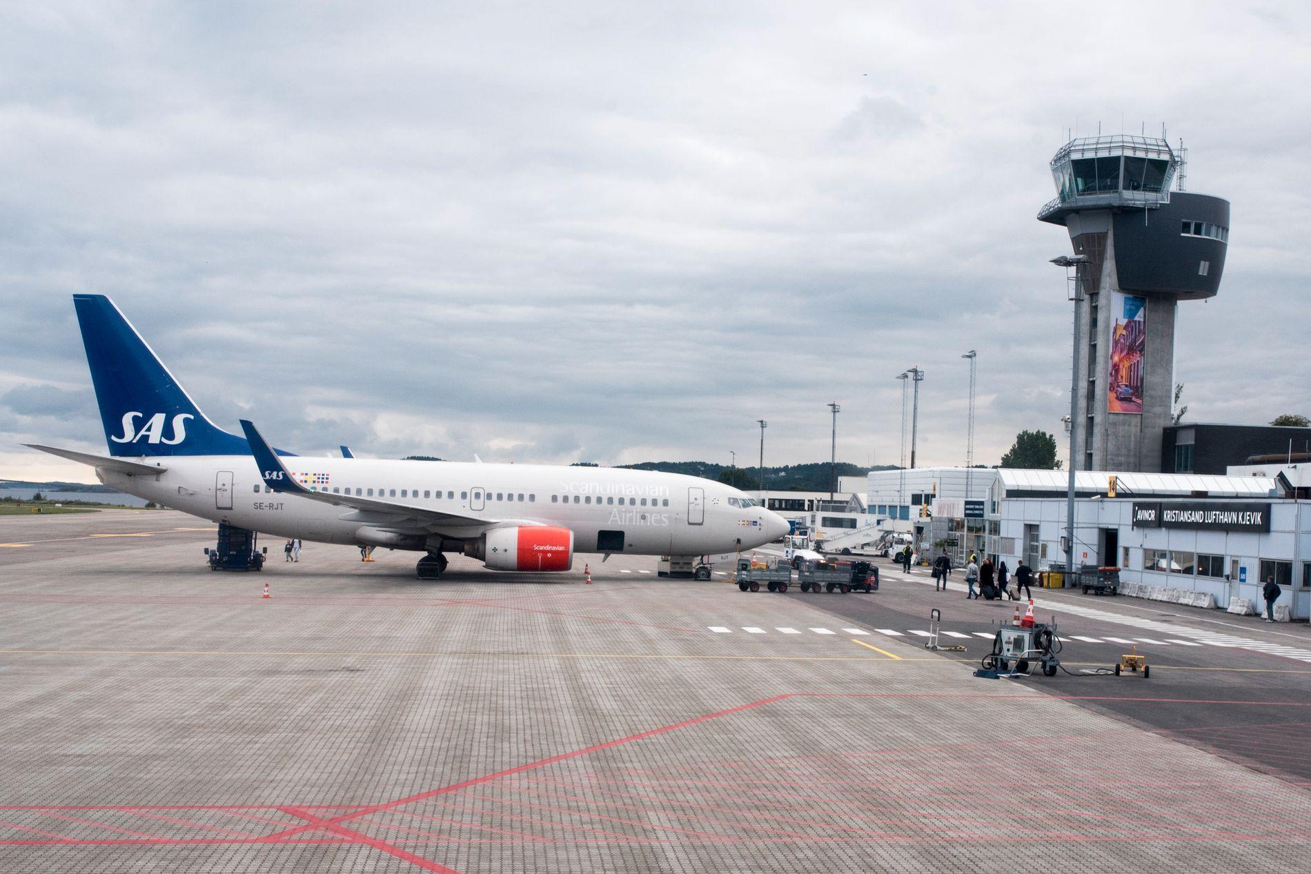 SLUTT FOR AVTALE: Et SAS-fly på Kjevik lufthavn i Kristiansand 4. september i fjor.
