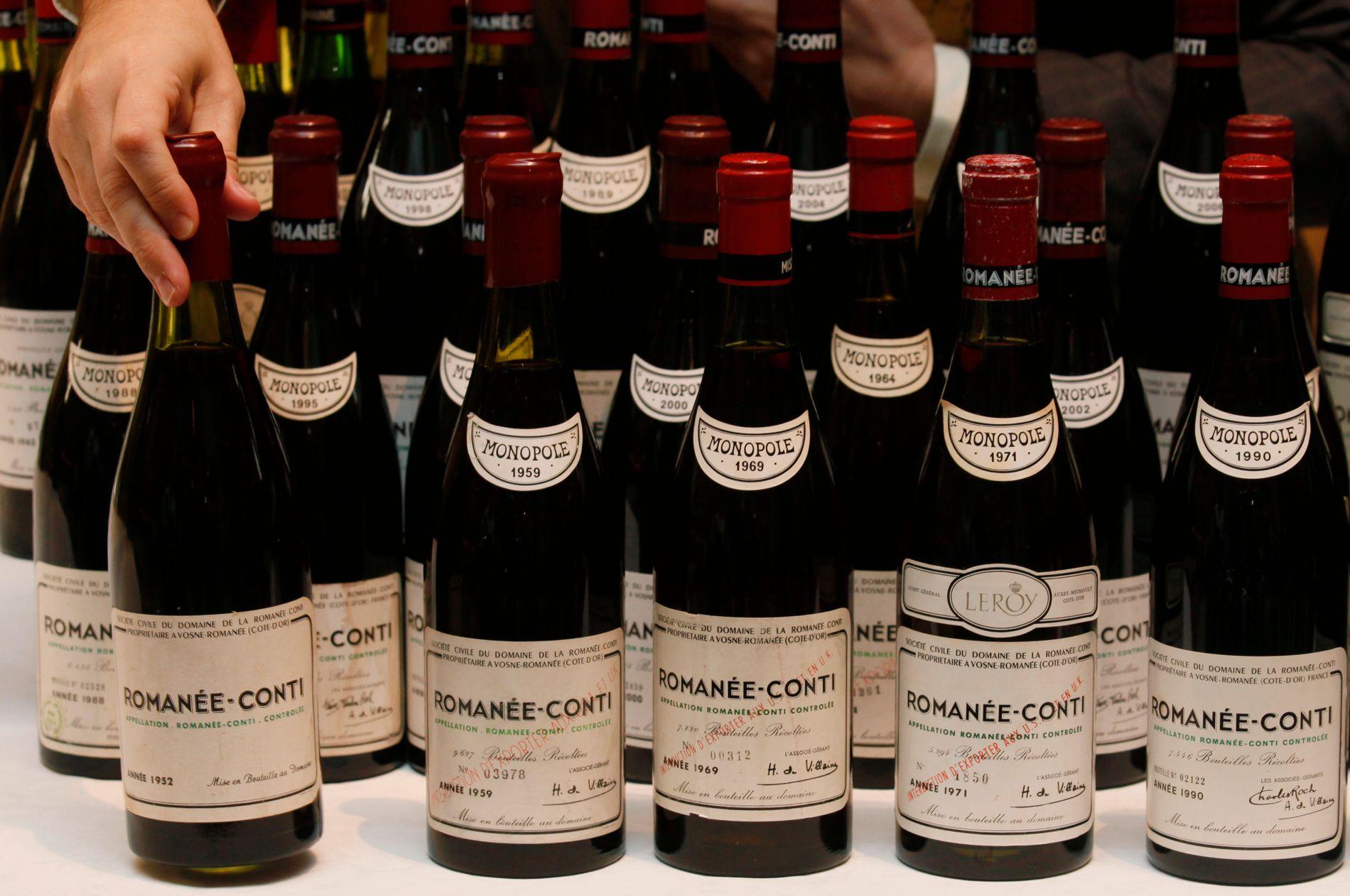 EDLE DRÅPER: Et parti på 55 flasker Romanee Conti fra 1952 til 2007-årgang ble solgt  i Hong Kong i desember 2011.