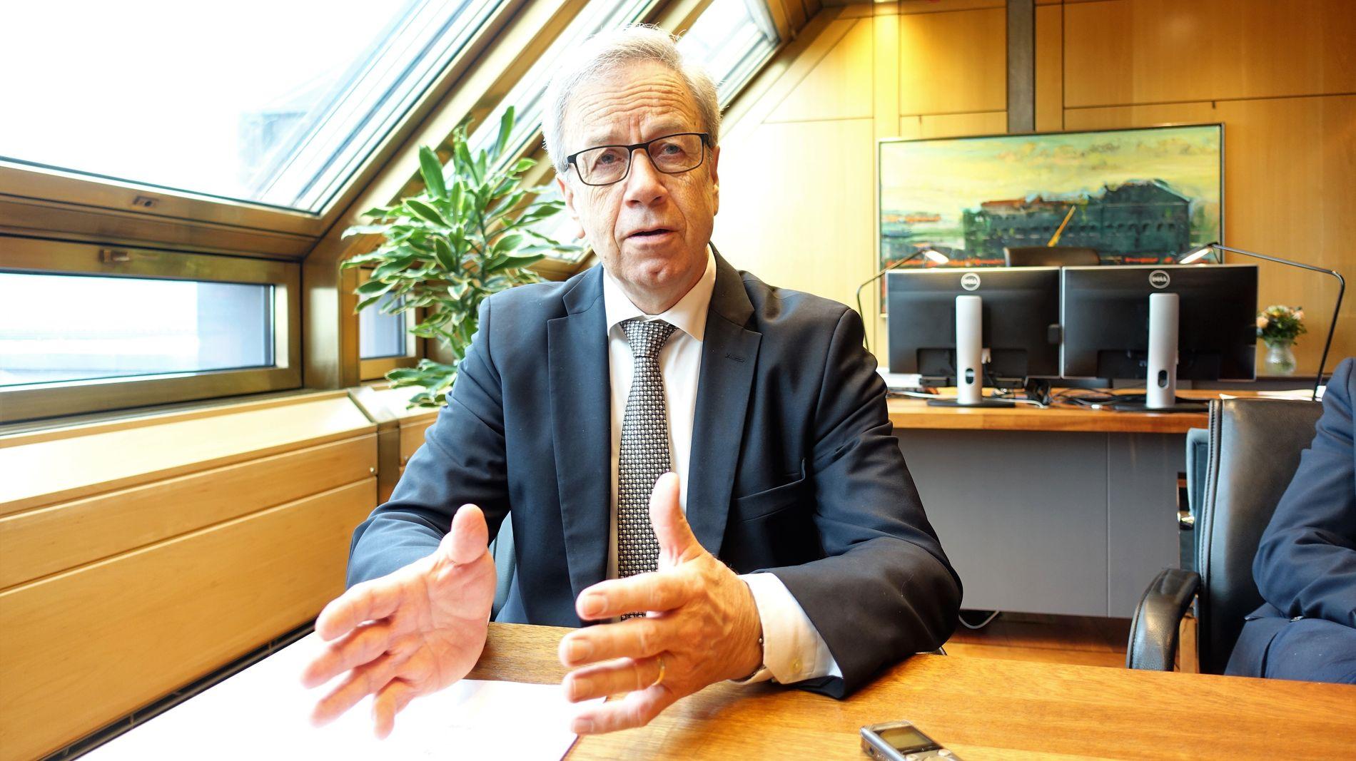 NIENDE TALE: Øystein Olsen holder torsdag sentralbanksjefens årstale for niende gang. Han sier blant annet at det vil være dristig å sette EØS-avtalen i spill i en periode hvor andre handelsavtaler er under press, og at brexit er et stort tilbakeslag.