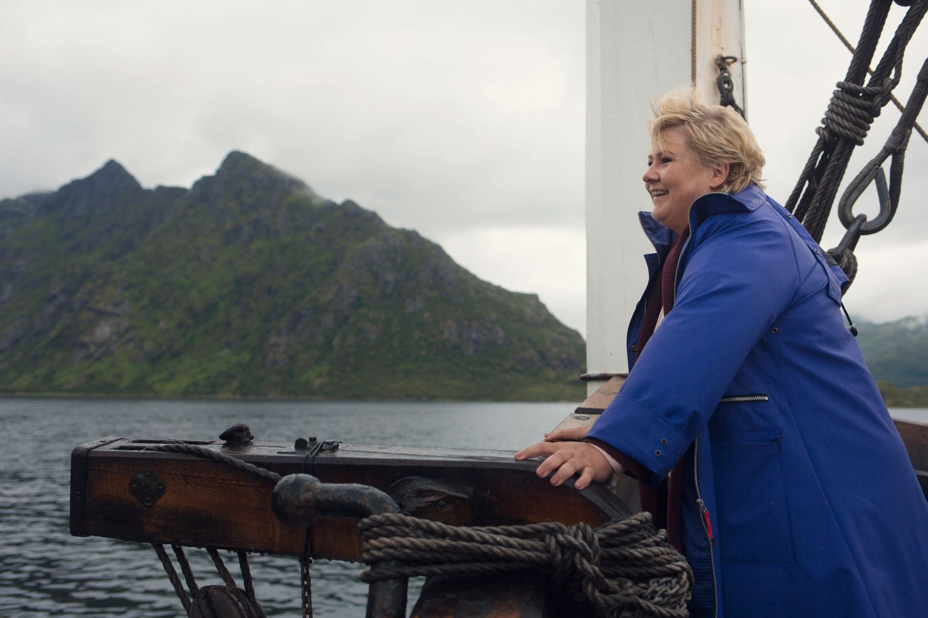 ÅPNER FOR SØKNADER: Statsminister Erna Solberg var på rundtur i Lofoten i sommer.