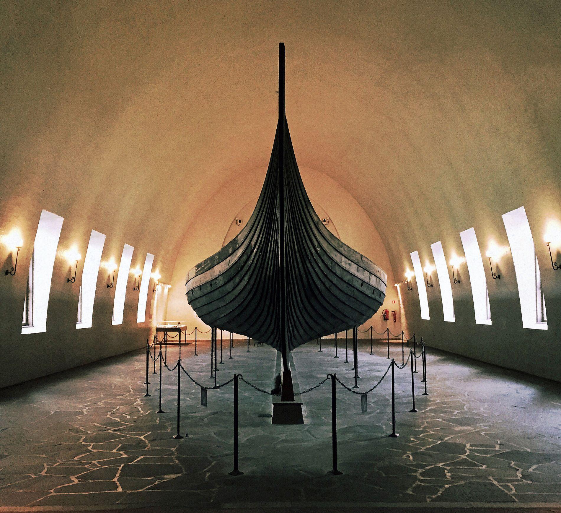 DRAMATISK: Osebergskipet i Vikingskipshuset på Bygdøy er nå i så dårlig forfatning at det uten forvarsel kan bryte sammen. Det haster å få realisert det nye Vikingtidsmuseet som allerede er vedtatt.