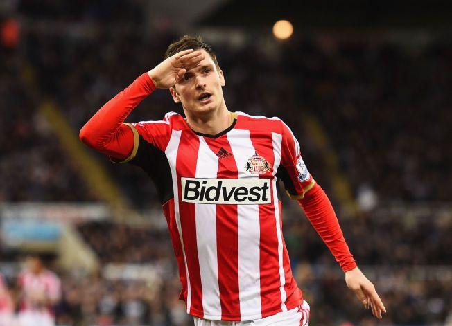 TIL TJENESTE: Adam Johnson sto frem da Sunderland trengte det som mest og avgjorde hatkampen mot Newcastle med sin sene scoring.