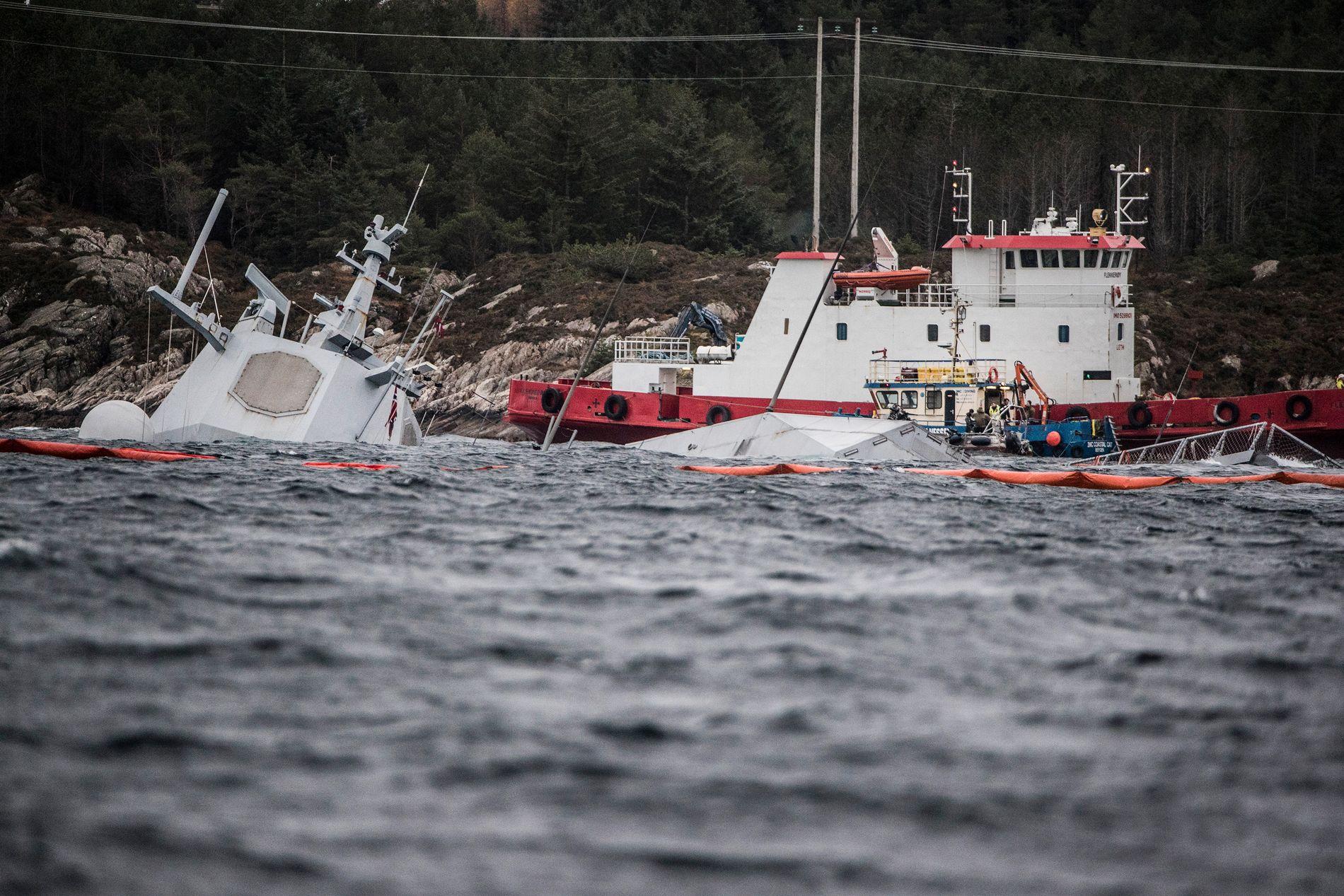 HAVARERTE: Fregatten KNM «Helge Ingstad» og tankskipet «Sola TS» kolliderte nord for Stureterminalen i Øygarden i november i fjor.