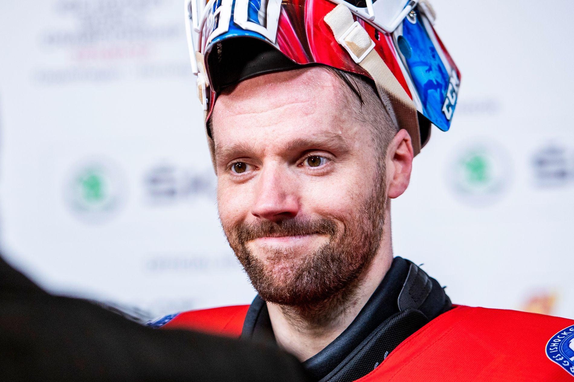 HELT UTE: Lars Haugen (32) ble Norges keeperhelt da han debuterte i VM i Slovakia for åtte år siden. Nå har han meldt avbud til årets mesterskap samme sted. Det starter neste fredag.