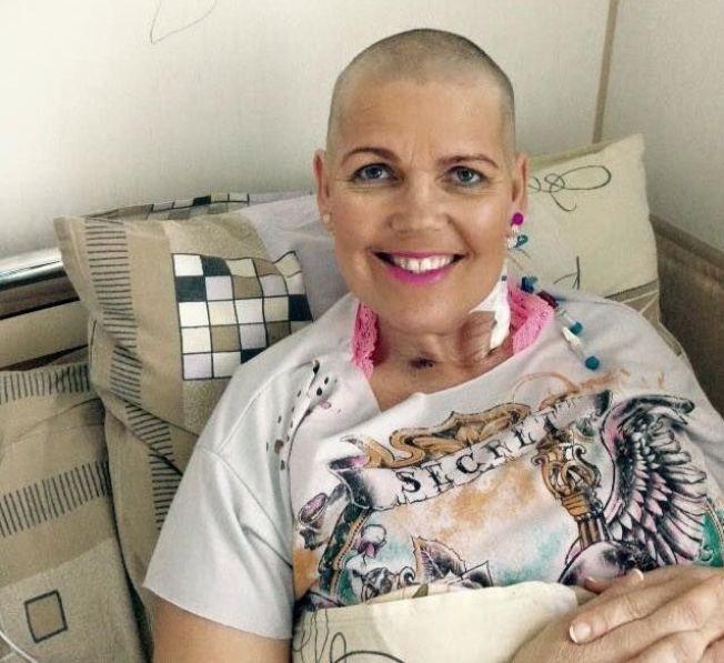 VENTER PÅ STAMCELLENE: Hanne Sivertsen på sykehuset i Moskva 14. april - dagen før hun skulle fullføre stamcelletransplantasjonen. Nå ligger hun på isolat.
