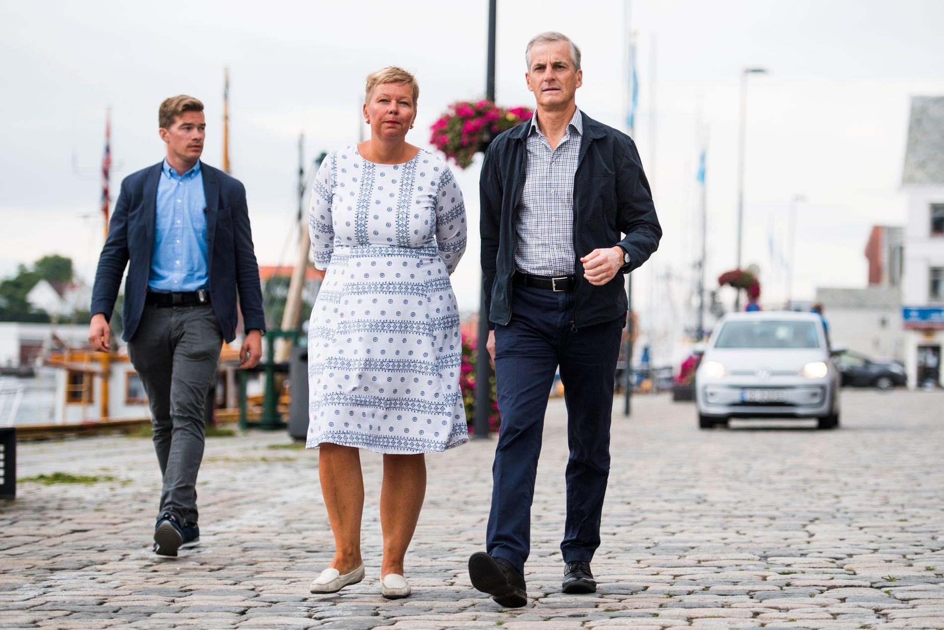 ANMELDT: Stortingsrepresentant Hege Haukeland Liadal (Ap). Her med Jonas Gahr Støre i Haugesund i 2017.