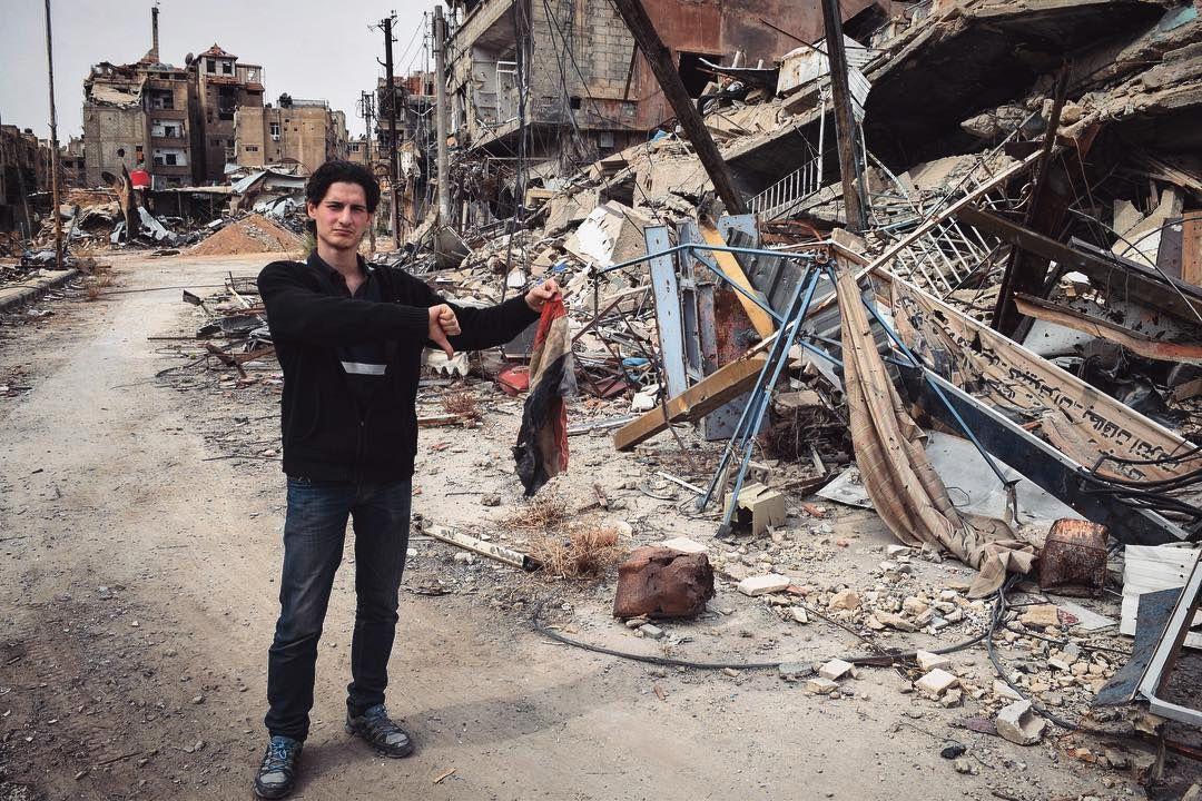 RUINER: Firas Abdullah i Douma vinteren 2018.