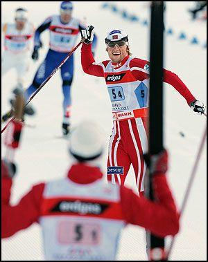 DEN SATT! Petter Nortug sklir over målstreken etter sin superspurt. Foto: AFP