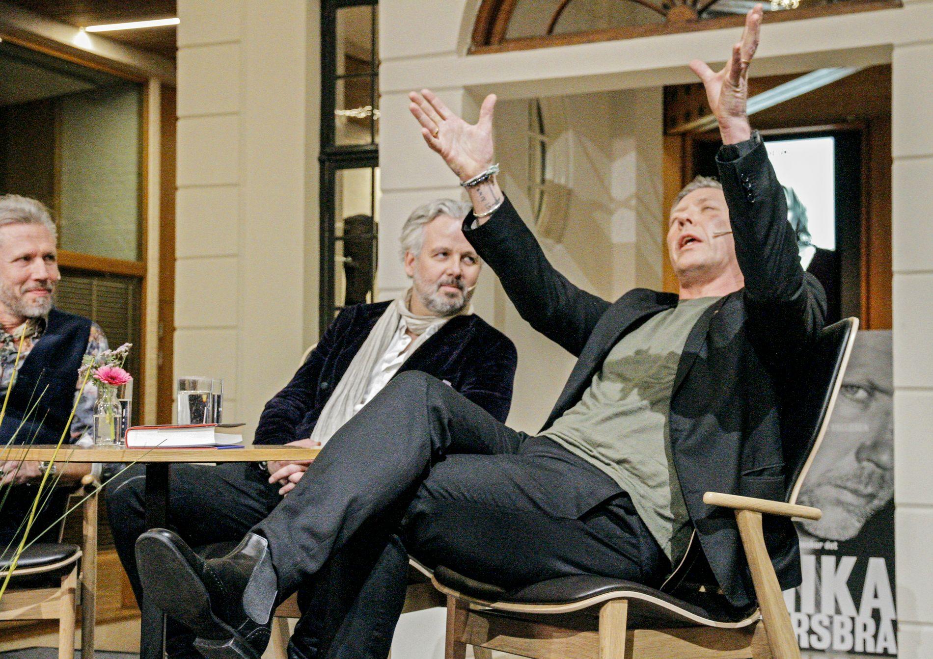ENTUSIASTISK: Carl-Johan Vallgren, Ari Behn og Mikael Persbrandt.