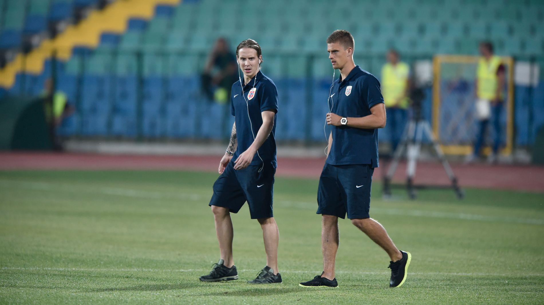 LANDSLAGSKAMERATER: Stefan Johansen (t.v.) og Markus Henriksen har spilt mange kamper sammen med flagget på bryset. Nå møtes de i FA-cupen.
