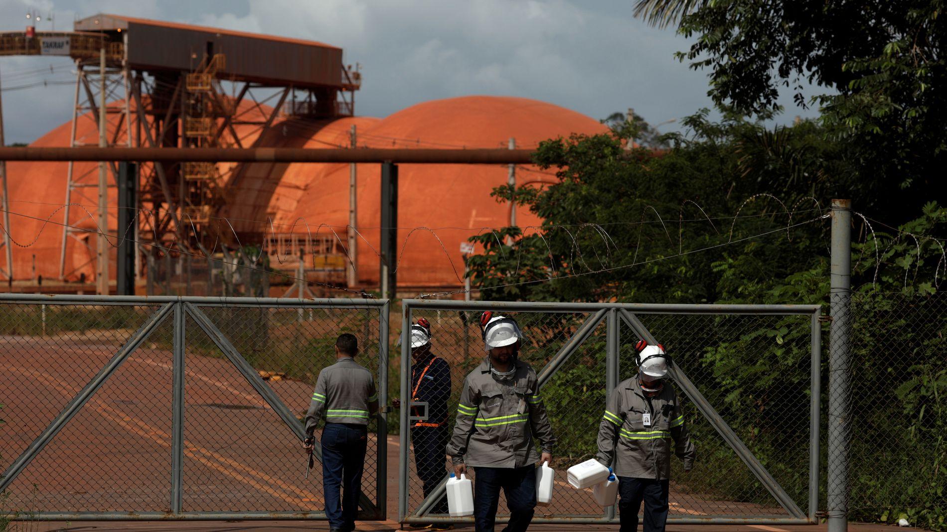 ETTERFORSKES: Det brasilianske miljøinstituttet Ibama og Evandro Chagas-instituttet forsøker å komme til bunns i hvordan utslippene fra det Hydro-eide Alunorte påvirket nærmiljøet.