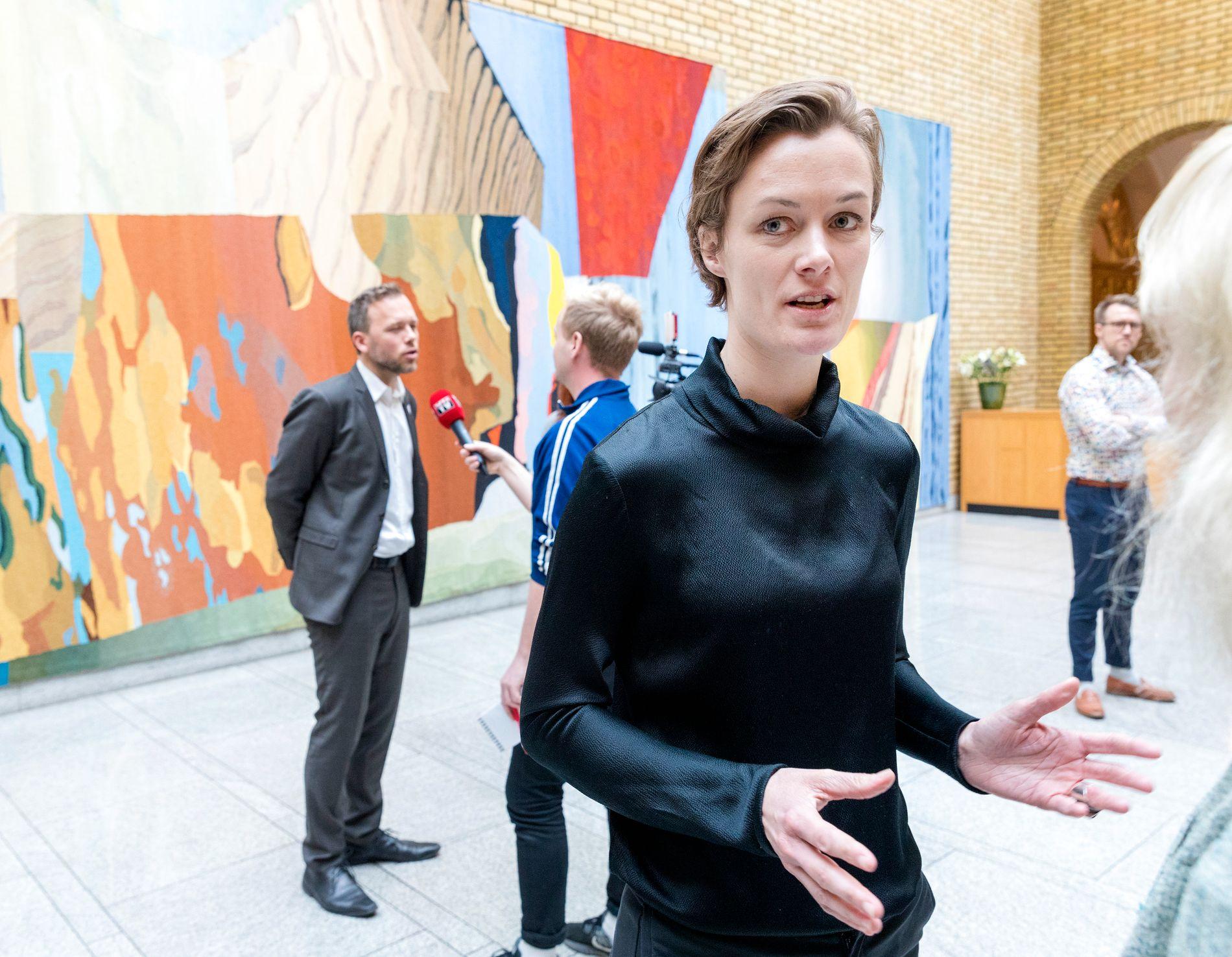 REAGERER: Aps stortingsrepresentant og leder av kvinnenettverket i partiet, Anette Trettebergstuen.