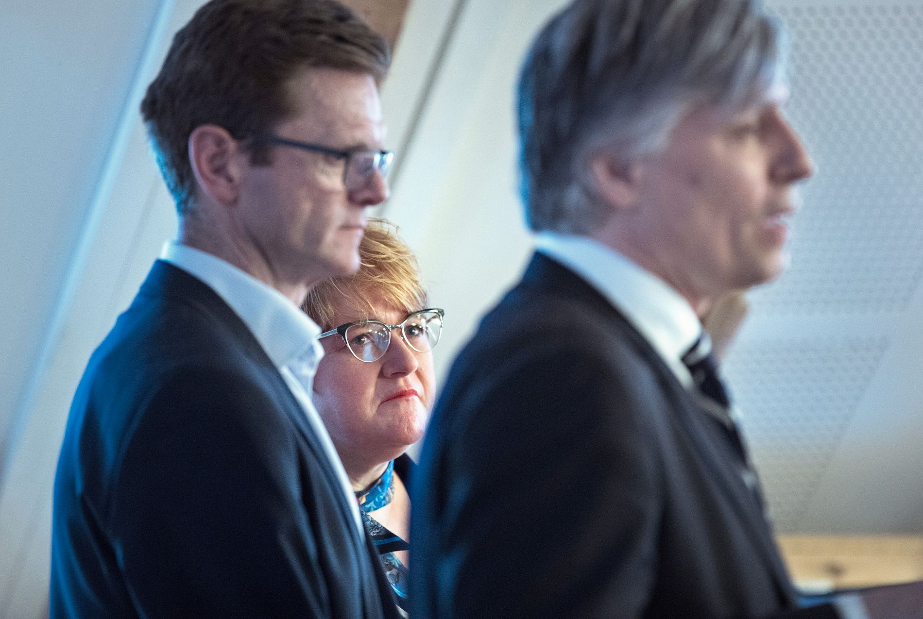 I MOTVIND: Venstres Trine Skei Grande før landsmøtet, sammen med Terje Breivik og Ola Elvestuen.