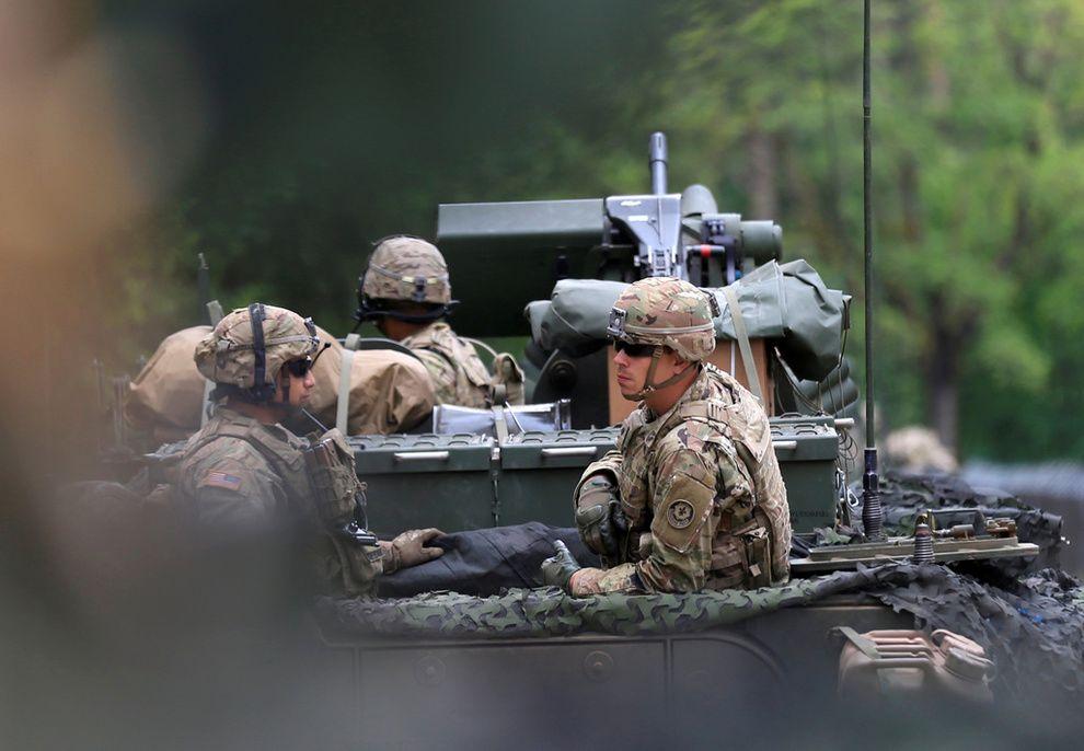 NATO-STYRKER: NATO-soldatene i den polske byen Orzysz er like i nærheten av Hviterussland, der militærøvelsen Zapad skal foregå.