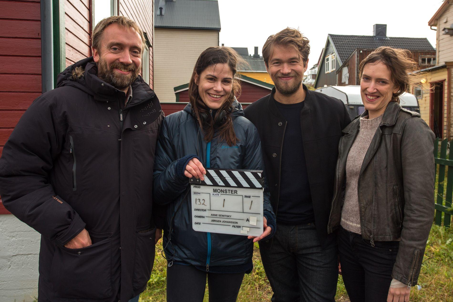 INNSPILLING: Fra venstre: produsent Lasse Greve Alsos, regissør Anne Sewitsky, og skuespillerne Jakob Oftebro og Ingvild Holthe Bygdnes.