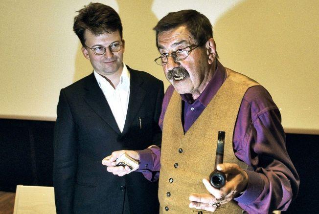 BLE VENNER: Erik Fosnes Hansen traff Günter Grass ved flere anledninger. I 2000 var den norske forfatteren oversetter da den ferske Nobelprisvinneren i litteratur hadde opplesning på Universitetsbiblioteket på Blindern.