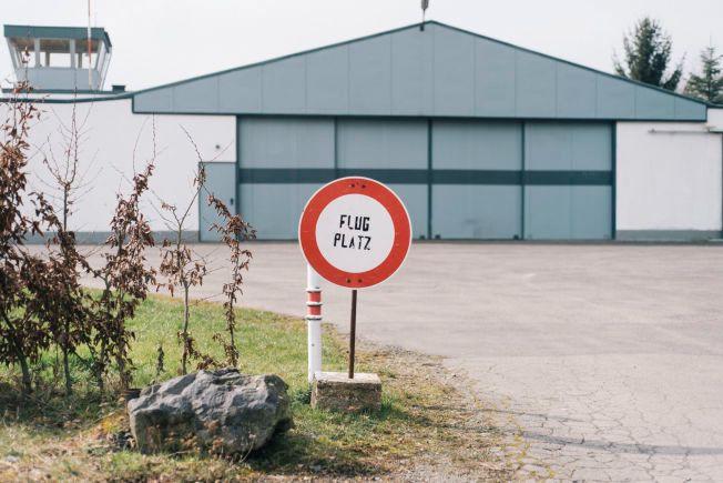 STENGT: Den lokale flyklubben var en gang stolt av å ha Germanwings-piloten Andreas Lubitz som medlem. Da VG besøkte Montabaur, var det ingen aktivitet ved flyplassen.