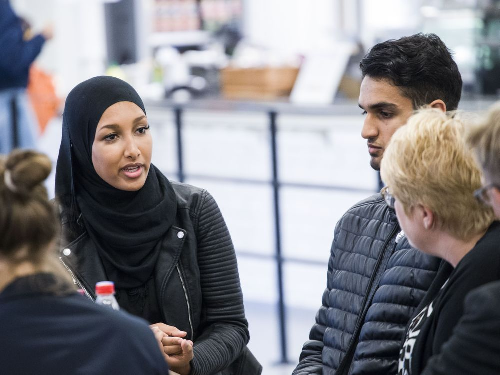 Sahra Jaber, som i fjor møtte Trine Skei Grande for å diskutere integrering, er blant medlemmene i integreringsutvalget.