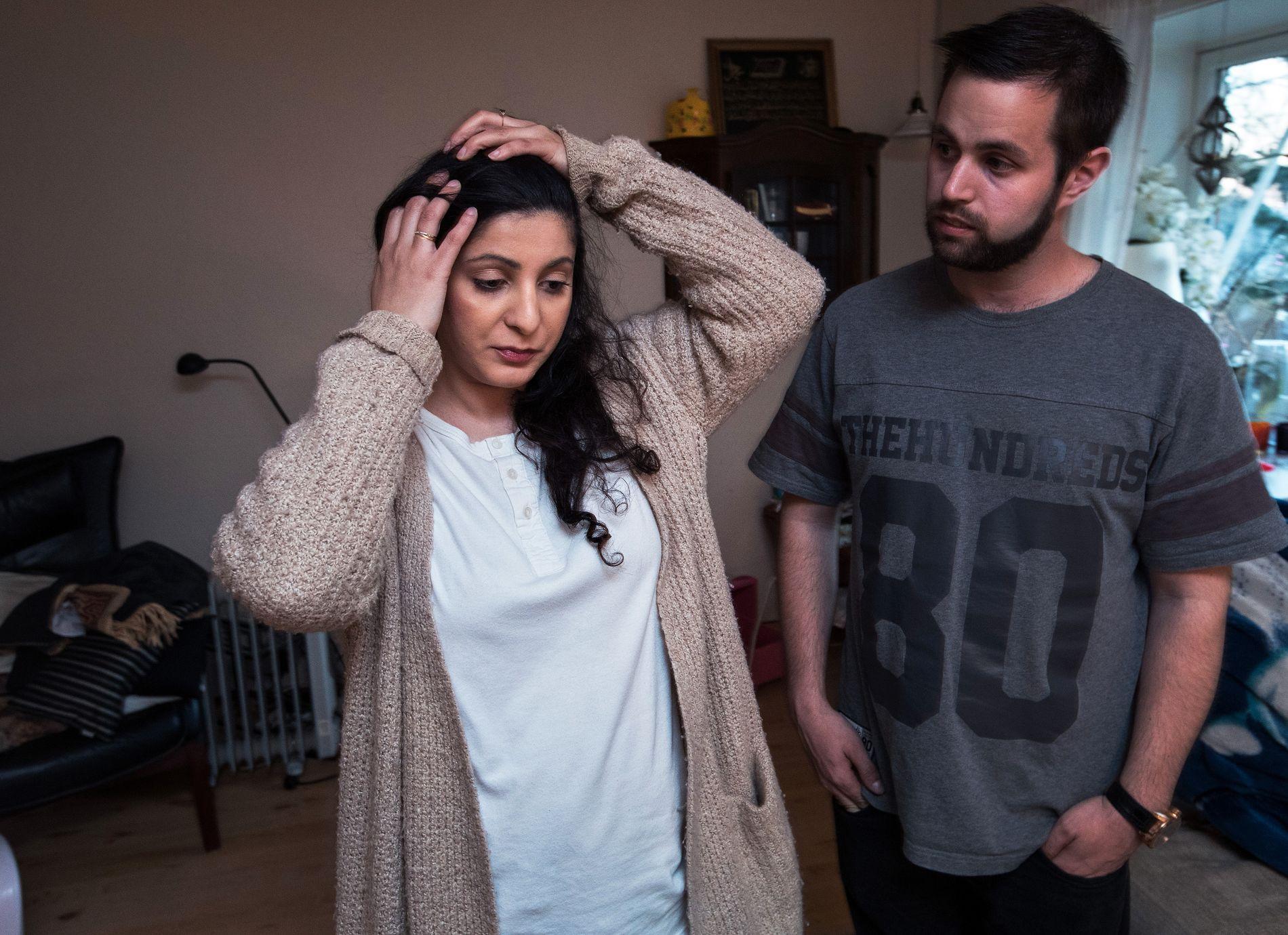 TRUSLER: Rania Jalal Al-Nashi og forloveden Yousef Bartho Assidiq har mottatt håndskrevne trusler utenfor døren deres uten at de vet hvem det kommer fra. Begge er aktive i den offentlige samfunnsdebatten.