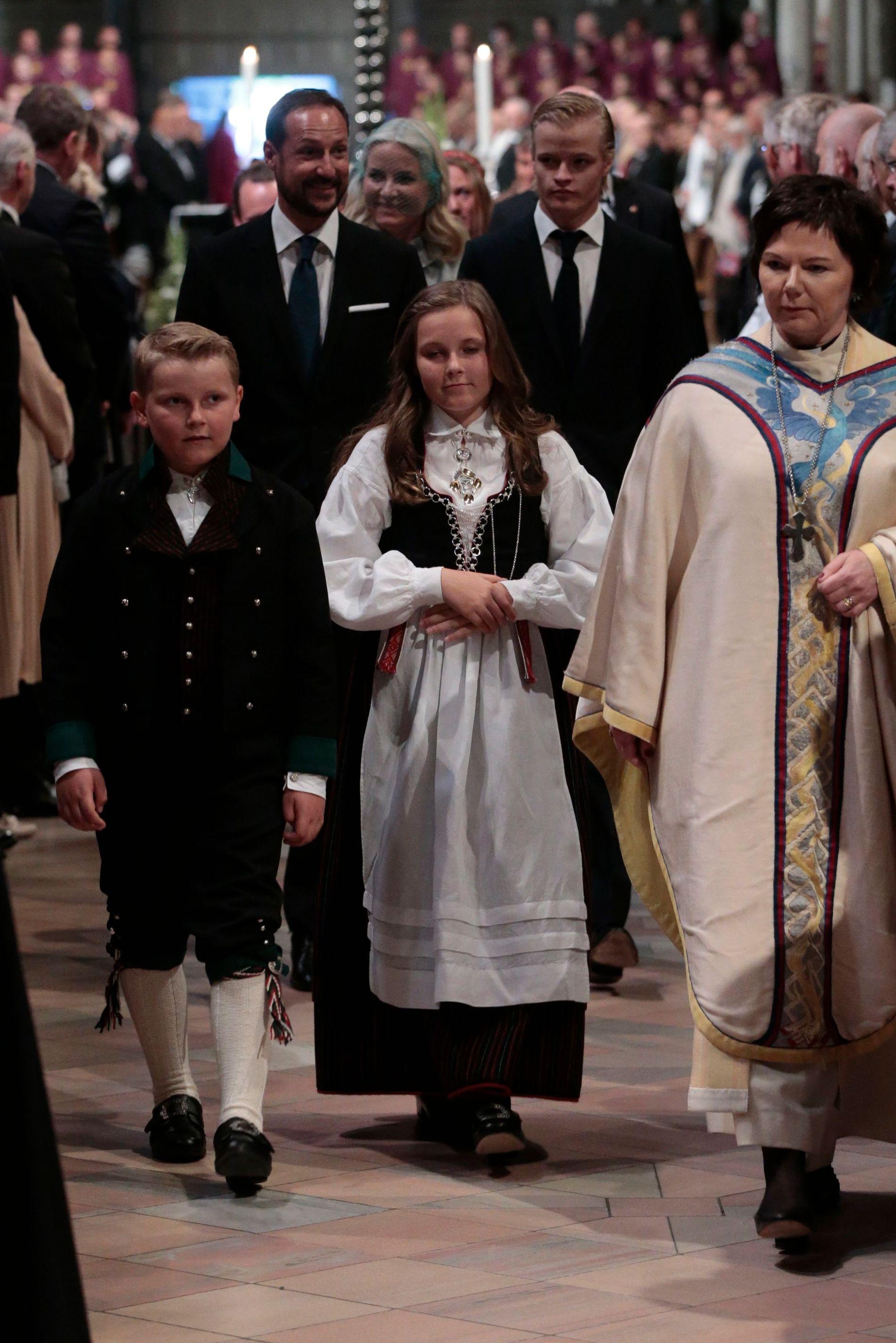 FULLSATT:  Kronprins Haakon sammen med prins Sverre Magnus og prinsesse Ingrid Alexandra.